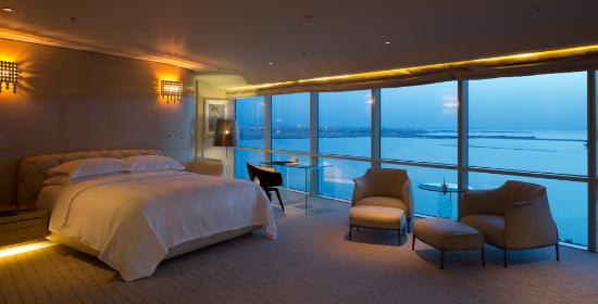 Amwaj Islands, Bahrain: Royal Suite Bedroom