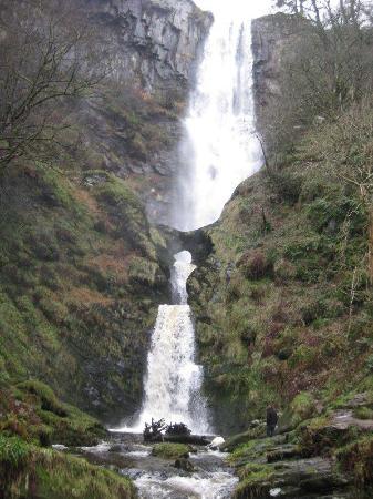 Llanrhaeadr ym Mochnant, UK : The waterfall