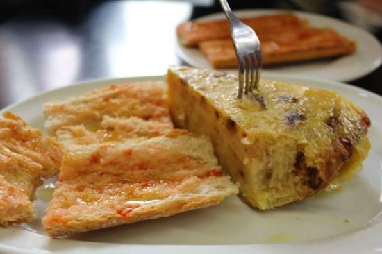 Mercado de Santa Caterina: colazione al bar interno