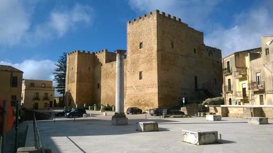 Ruderi Dell'antico Duomo Di Salemi