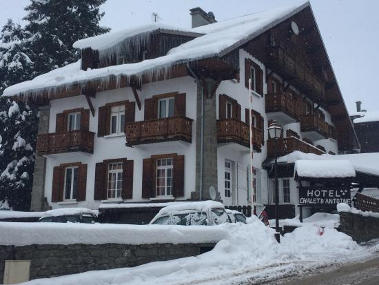 Hotel Chalet d'Antoine: Antoine in winter