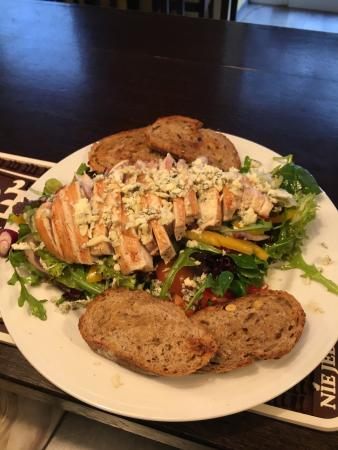 American Dream Restaurant: Chicken salad
