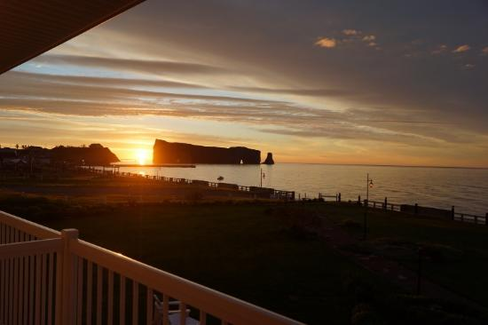 Hotel La Normandie : Longest Day of the Year 4:35am - Sun Rise from hotel by Perce Rock
