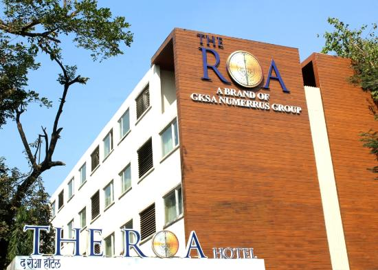 The Roa Hotel: Main Facade