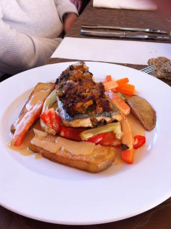 Monestier, Francia: Filet de dorade et ses petits légumes