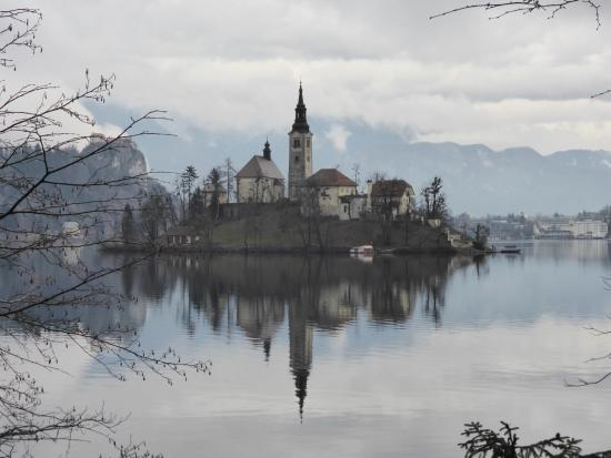 Hotel Triglav Bled: church island on lake bled