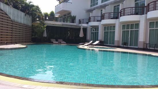 A-Te Chumphon Hotel: The pool