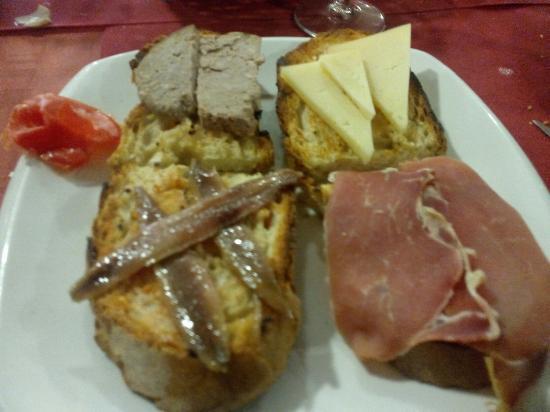 Sant Llorenc de la Muga, İspanya: IMG_20160117_134500_large.jpg