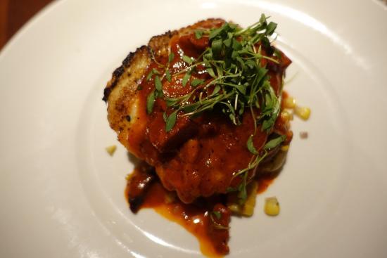 Bridgewater, Nueva Jersey: Cobia with chorizo in asian glaze