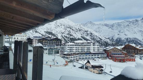Hotel Edelweiss: Utsikt från vår balkong!