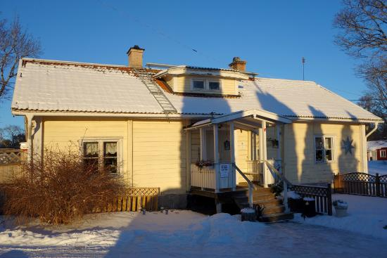 Taby, Suecia: The house a cold day in January