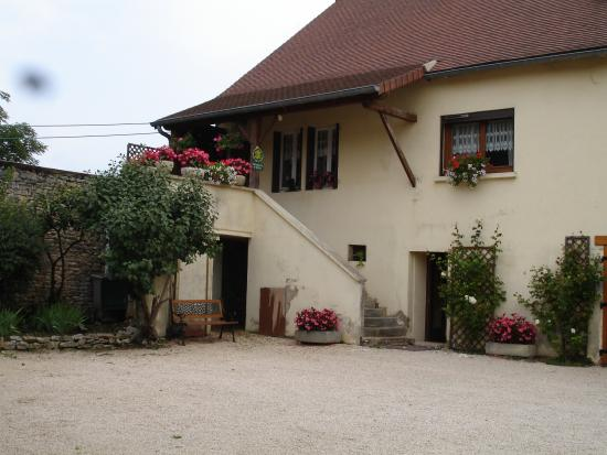 St Boil, Francia: ENTREE DES CHAMBRES