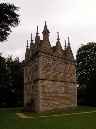 Triangular Lodge Rushton