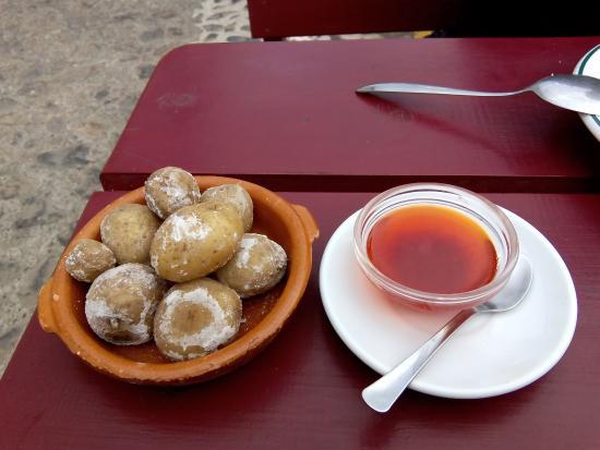 Agulo, España: papas y mojo