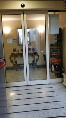 Hotel Orazia: Entrada