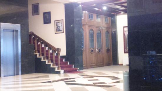 Silachi Hotel: Холл гостиницы