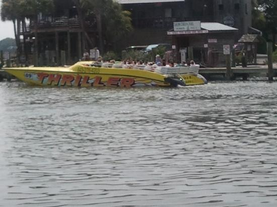 Thriller Charleston - High Speed Tour Boat : Looks like fun.