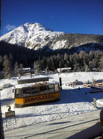 Blick zum Fondu Restaurant des Hotel Steinbock