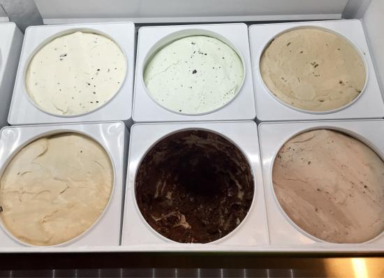 Heber Springs, AR: Vanilla, Chocolate, Strawberry, Butter Pecan, Mint Chip, Cookie Dough, Sea Salt Caramel, Woo Pig