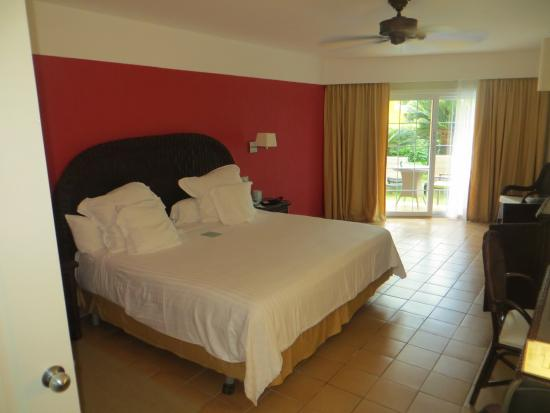 sundeck room king bed picture of barcelo bavaro beach adults only rh tripadvisor ca