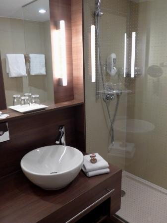 โรงแรม แมร์คูเรอ วีนซิตี้: Badezimmer