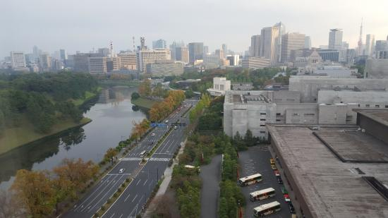 Hotel Grand Arc Hanzomon: View from our room during the day (Imperial Palace is off to the left)