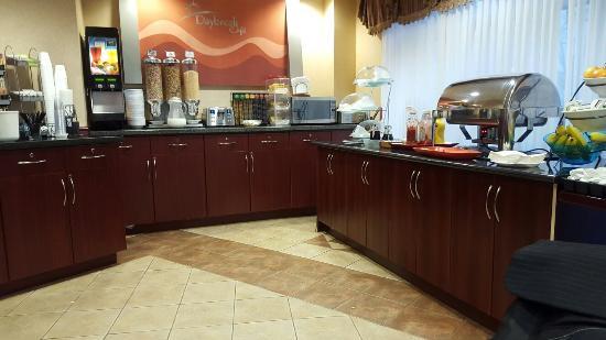 Days Inn & Suites- Langley : TA_IMG_20160117_090331_large.jpg