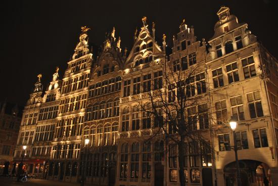 the beautiful Groenplaats by night