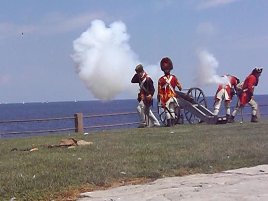 Youngstown, Nova York: Cannon demonstration