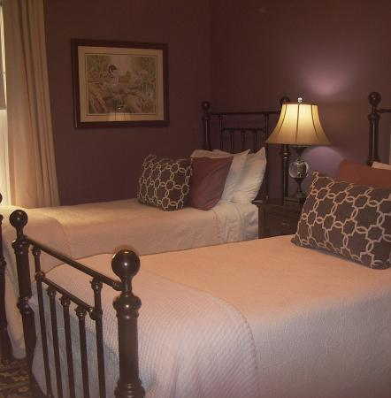 Lang House Bed and Breakfast: Norwood (twin) Room #3