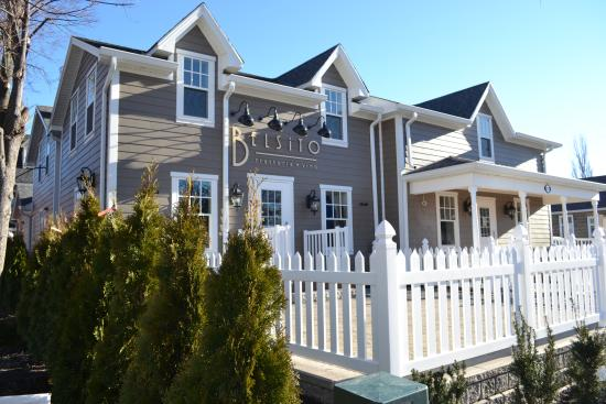 Kleinburg, Canada : Restaurant exterior