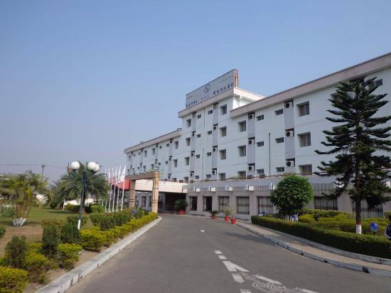 Hotel Naz Garden照片