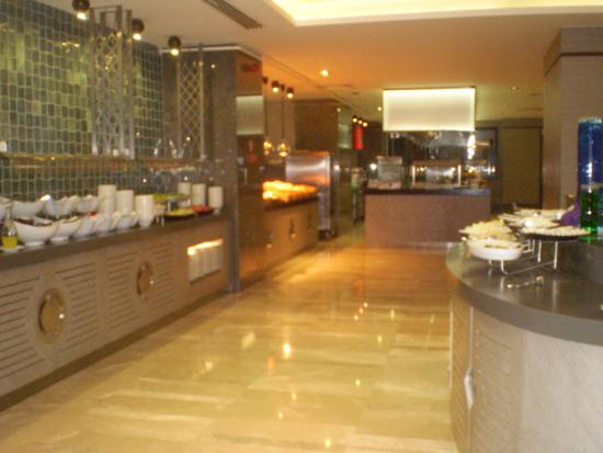 buffett de desayuno 6 picture of titanic business golden horn rh tripadvisor co uk