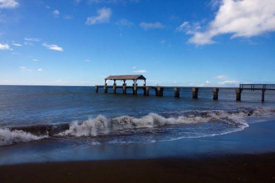 Waimea Recreational Pier Fishery Bay Kauai Hawaii