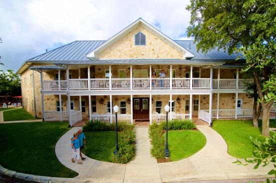 Gruene River Hotel Retreat Exterior