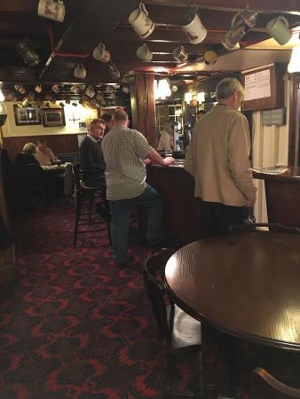 Hassocks, UK: Greyhound Inn