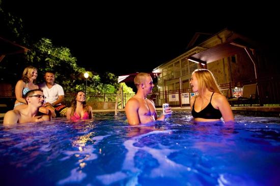 Gruene River Hotel & Retreat: Hot Tub
