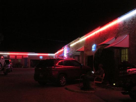 Blue Swallow Motel: night view