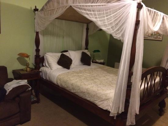 Lurline House: Our bedroom