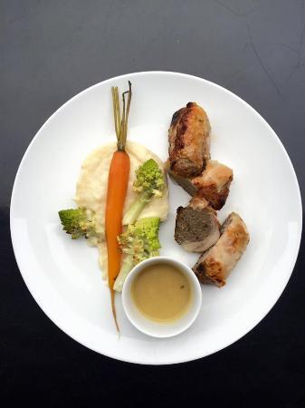 Bois Colombes, Fransa: Poulet farci aux cèpes et foie gras