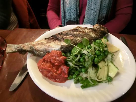 The Duke of Sussex : Grilled Bream, courgette, fennel, watercress salad, harissa