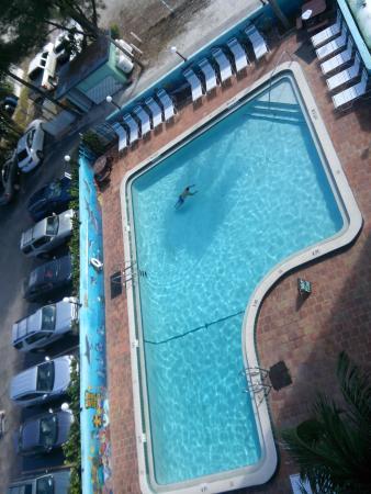 Lani Kai Island Resort : vista pileta desde 5to piso