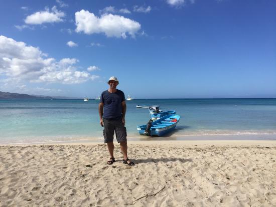 Paradise Island & The Mangroves (Cayo Arena): Ready for a boat to Paradise Island