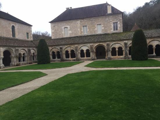 Montbard, Франция: Abbaye de Fontenay 7