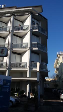 Hotel Terme Villa Pace: facciata hotel