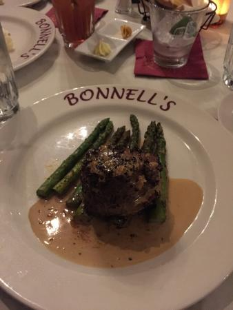 Bonnell's Restaurant: Buffalo tenderloin was fantastic.  First time I have had it and I'm sure it won't be the last.