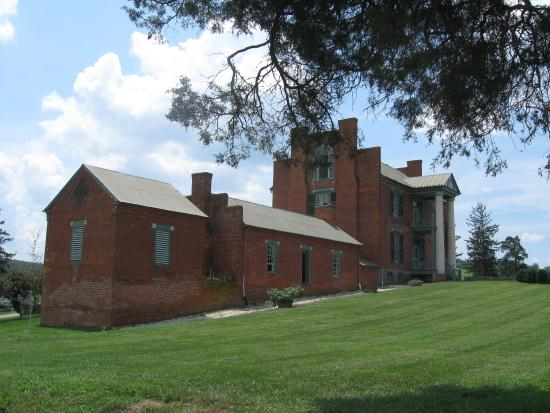 Max Meadows, VA: The Mansion at Fort Chiswell