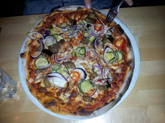 vegetarische pizza picture of restaurant xii apostel hannover tripadvisor. Black Bedroom Furniture Sets. Home Design Ideas