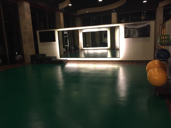 gym yoga stretch room picture of barcelo maya colonial puerto rh tripadvisor com