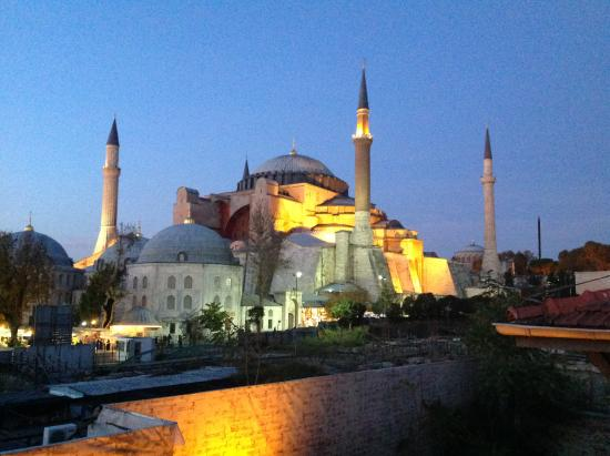 Four Seasons Hotel Istanbul at Sultanahmet: view of blue mosque from rooftop at sunset